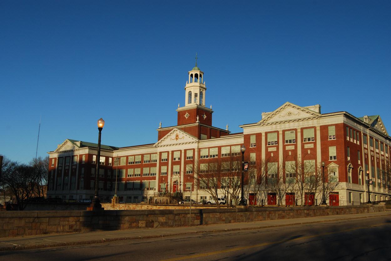 William E. Tolman High School, Pawtucket